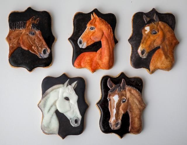 Eläinkeksit hevosia